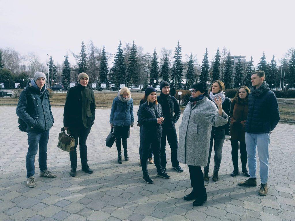 """Елена Березина с участниками проекта """"Магнитные поля"""""""